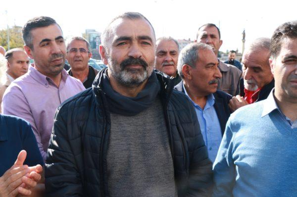Turgut Öker'e konulan yurtdışı yasağı derhal kaldırılsın!